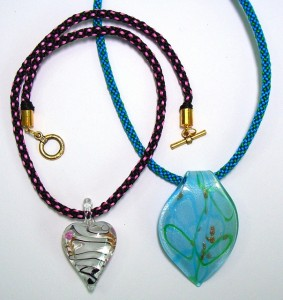 Kumihimo braided pendant - glass pendant style